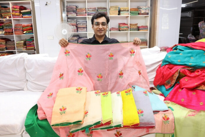 Yadu Nandan Fashions Manufactures One of The Best Indian Ethnic Wear