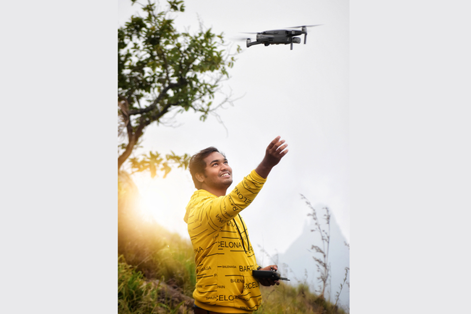 Aerial Holic - The Man Who Is Blessed with Bird's Eye View