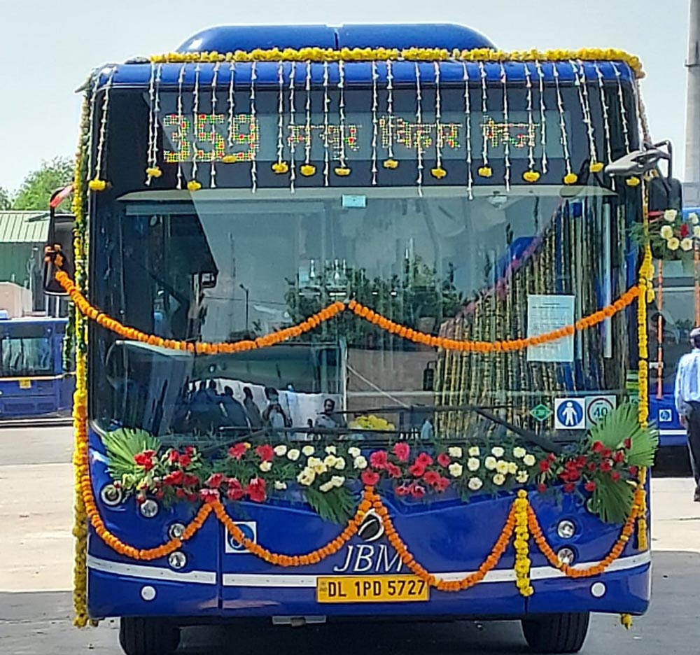 32 BS6 JBM CITYLIFE Low Floor AC buses flagged off by Shri Kailash Ghalot Hon'ble Transport Minister of Delhi on the occasion of the 75th Independence Day
